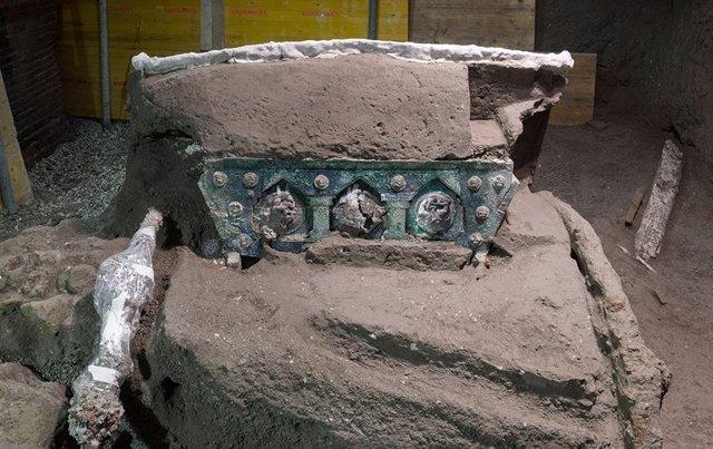 Carro romano hallado en las ruinas de Pompeya