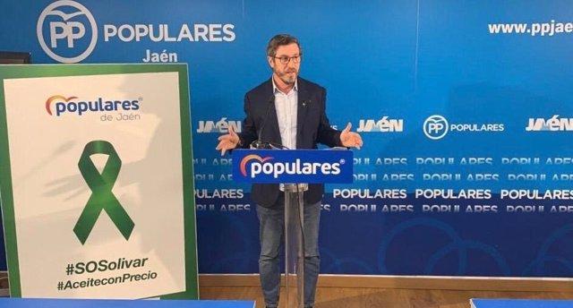 Archivo - El portavoz del grupo del PP en la Diputación de Jaén, Miguel Contreras, en una foto de archivo.