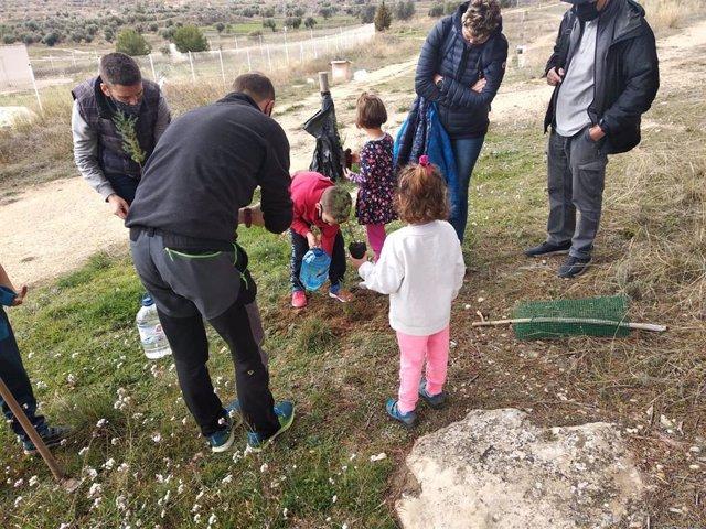 Andorra celebra el Día del Árbol con la plantación de ejemplares y cuentacuentos.