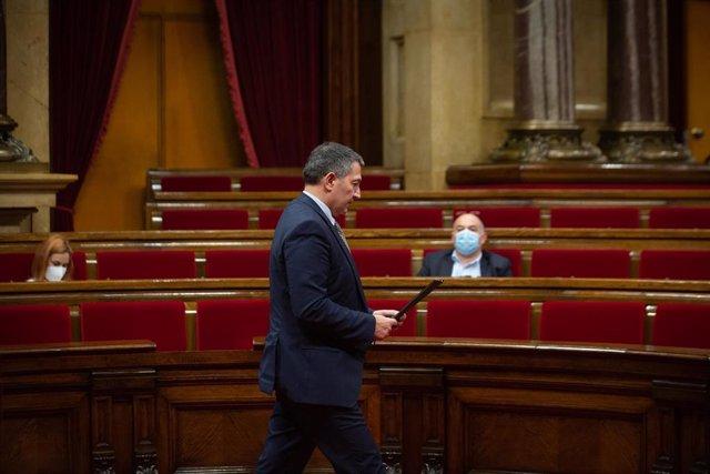 El conseller de Interior, Miquel Samper, esta semana en el Parlament