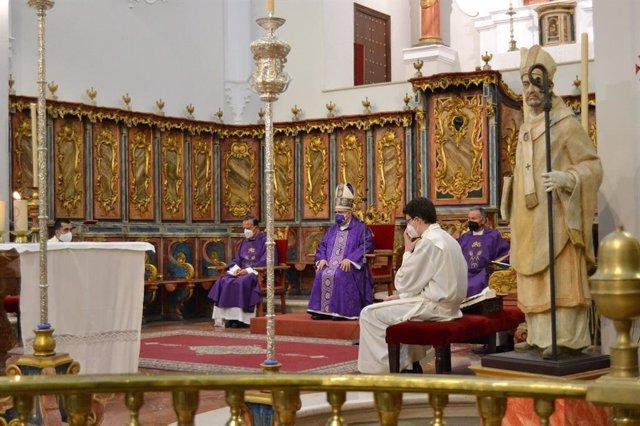 El obispo de Huelva, Santiago Gómez.