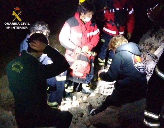 La Guardia Civil rescata a una mujer perdida en la montaña del Puig Campana en Alicante