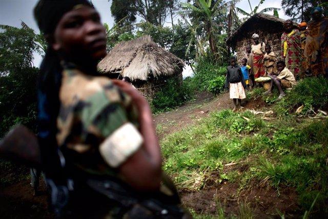 Archivo - Miliciano en República Democrática del Congo