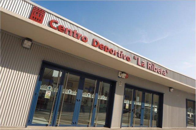 Fachada Centro Deportivo La Ribera