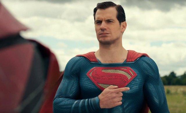 """Un ejecutivo de Warner carga contra Liga de la Justicia de Joss Whedon: """"Nadie quería admitir que era un pedazo de mierda"""""""