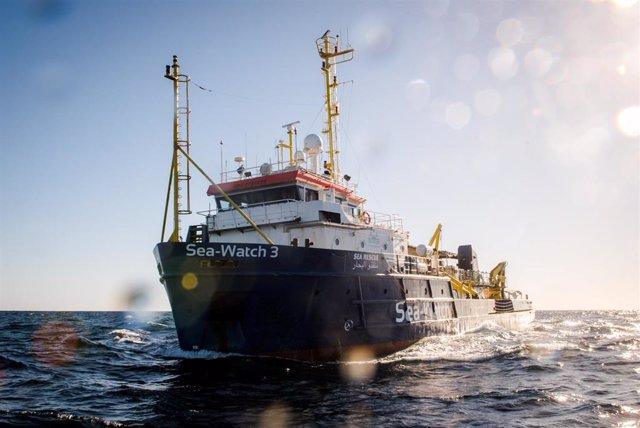 Archivo - Barco de rescate 'Sea Watch 3'