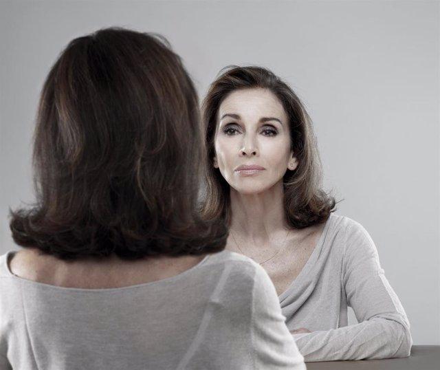Ana Belén en 'Eva contra Eva'.