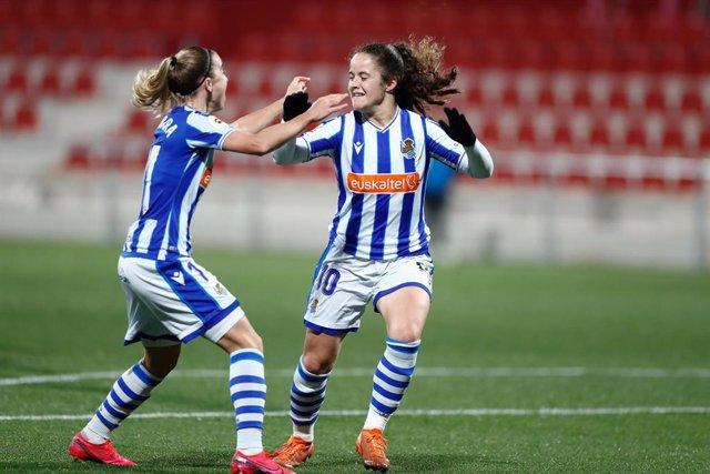 Archivo - Nerea Eizagirre celebrando un gol con la Real Sociedad en la Primera Iberdrola 2020-2021