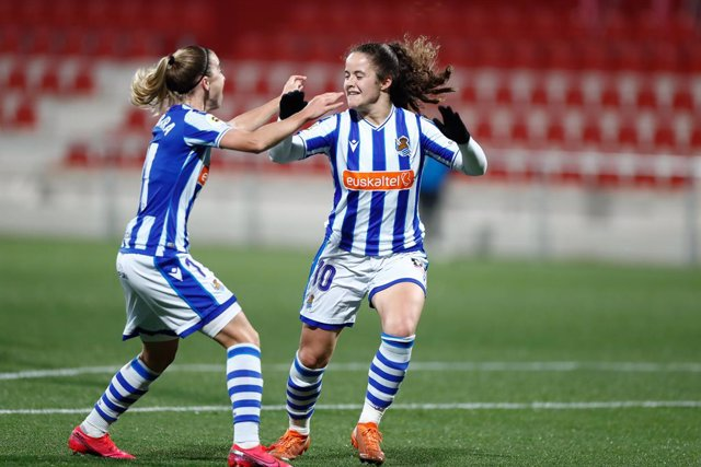 Archivo - Nerea Eizagirre of Real Sociedad celebrates a goal during the women spanish league, Liga Iberdrola, football match played between Atletico de Madrid and Real Sociedad at Ciudad Deportiva Wanda on december 22, 2020, in Alcala de Henares, Madrid,