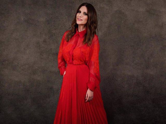 Laura Pausini, ganadora del Globo de Oro a Mejor Canción, vestida por Valentino en su gran noche