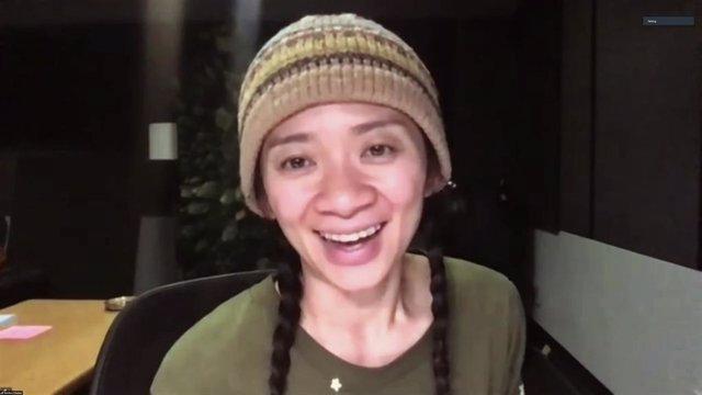 Chloé Zhao fa història amb 'Nomadland' en els Globus d'Or 2021