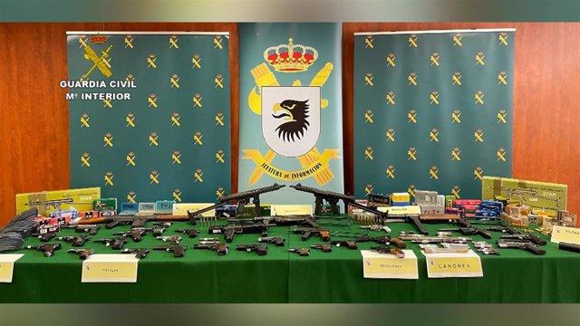 Armas intervenidas en la operación Ebanista, desarrollada en Vizcaya y Valencia, contra el tráfico ilícito de este material