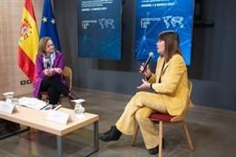 La secretaria de Estado de Exteriores, Cristina Gallach, y la actriz Mabel Lozano en la inauguración del I Seminario Internacional sobre Trata de Seres Humanos