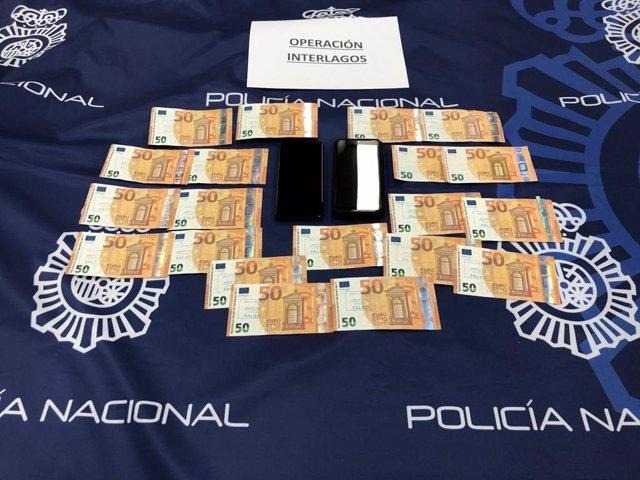 Billeste falsos intervenidis en dos operaciones contra la introducción y distribución de moneda falsa con cuatro detenidos, dos de ellos en A Coruña.