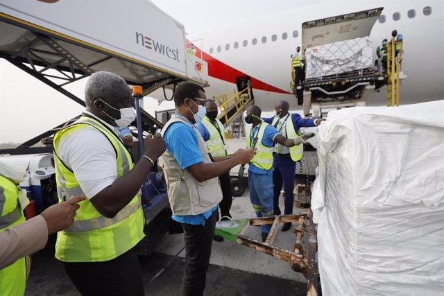 Llegada de las vacunas del programa COVAX a Ghana