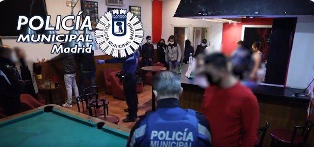 Archivo - Fiesta ilegal desmantelada por la Policía Municipal de Madrid en Vallecas