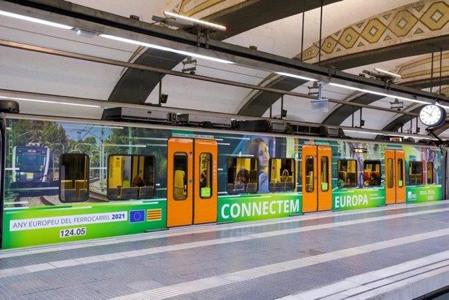 Un tren de FGC envinilat per l'Any Europeu del Ferrocarril