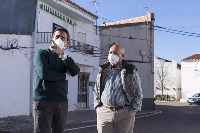 Óscar Liria visita trabajos de sondeo en Benitagla.
