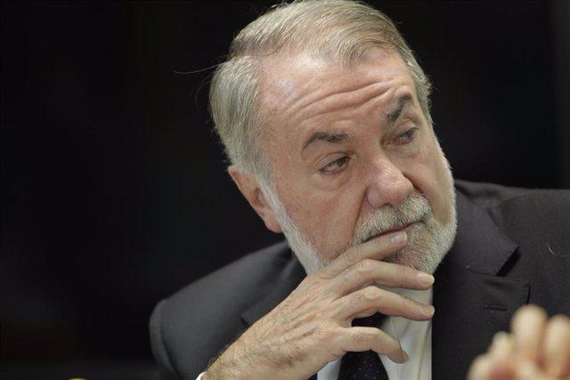 Archivo - El exministro del Interior Jaime Mayor Oreja en una imagen de archivo.