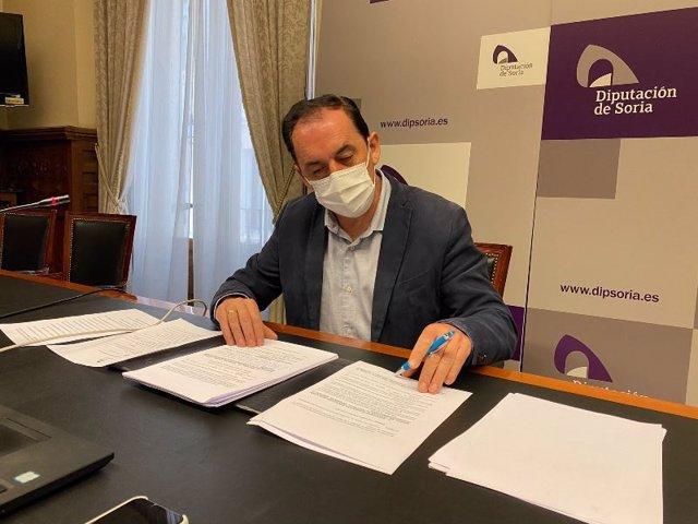El presidente de la Diputación de Soria, Benito Serrano, tras la Junta de Gobieno.