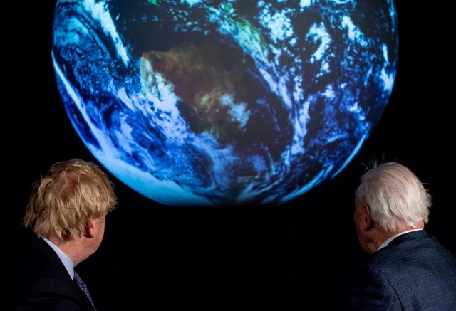 Archivo - 04 February 2020, England, London: UK Prime Minister Boris Johnson (L) and natural historian Sir David Attenborough attend the launch of the next 2020 United Nations Climate Change Conference (COP26), which will be held in Glasgow from 9 to 19 N