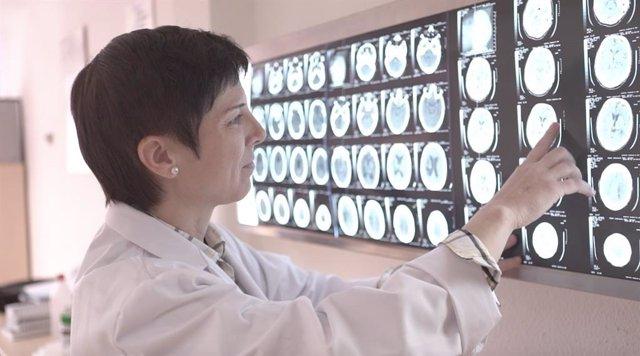 La doctora Moliner en uno de los centros de neurorrehabilitación de Vithas.