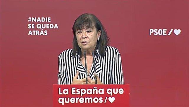 Archivo - La presidenta del PSOE, Cristina Narbona, en declaraciones a los medios en la sede socialista de Ferraz