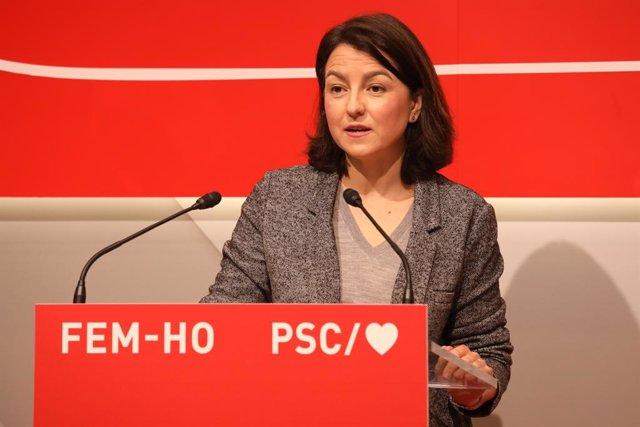 La dirigent del PSC Eva Granados en una conferència de premsa.