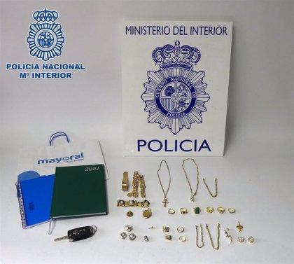 Dos detenidos en Palencia por robar en domicilios de mayores haciéndose pasar por empleados de suministros