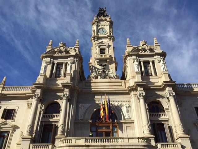 Archivo - Fachada del Ayuntamiento de València