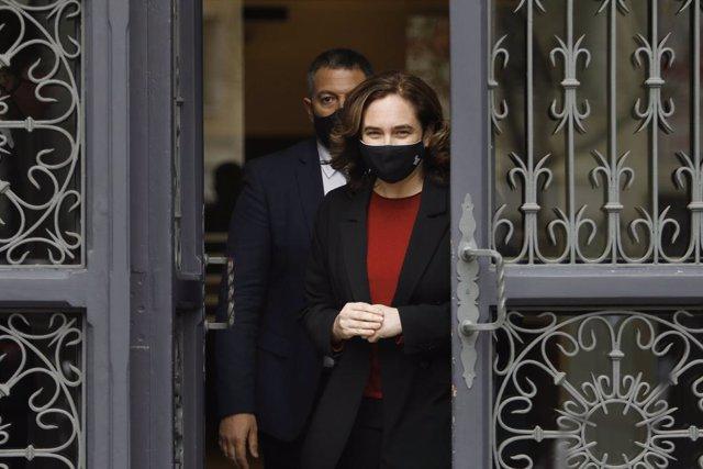 El conseller d'Interior de la Generalitat, Miquel Sàmper, i l'alcaldessa de Barcelona, Ada Colau, han mostrat sintonia institucional i operativa contra els aldarulls a Barcelona d'aquestes setmanes per l'empresonament del raper Pablo Hasél.
