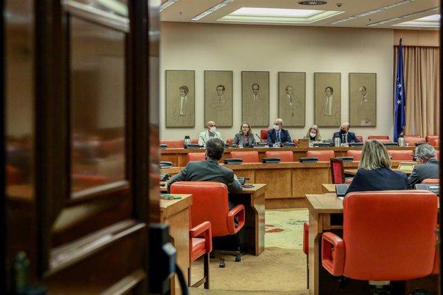Archivo - La vicepresidenta Tercera del Gobierno, Nadia Calviño, comparece en la comisión de Asuntos Económicos y Transformación Digital del Congreso de los Diputados el pasado 9 de diciembre