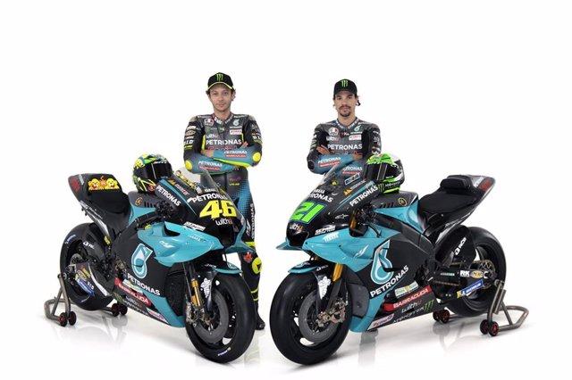 Valentino Rossi y Franco Morbidelli, pilotos del Petronas Yamaha SRT para el Mundial 2021 de MotoGP