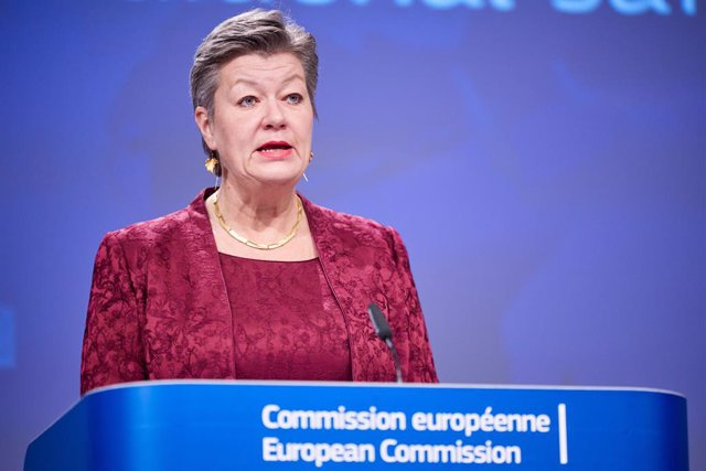 Archivo - HANDOUT - 25 January 2021, Belgium, Brussels: European Commissioner for Home Affairs Ylva Johansson speaks during an online press conference on travel restrictions within and from outside the EU during the COVID-19 outbreak at the European Commi