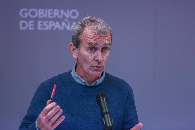 El director del Centro de Coordinación de Alertas y Emergencias Sanitarias (CCAES), Fernando Simón, ofrece una rueda de prensa para informar sobre el estado de la pandemia por COVID-19, en Madrid (España), a 1 de marzo de 2021. Simón, ha señalado que el p