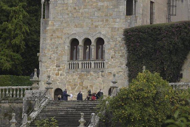 Archivo - Técnicos de la Consellería de Cultura de la Xunta de Galicia realizan el inventario del Pazo de Meirás,