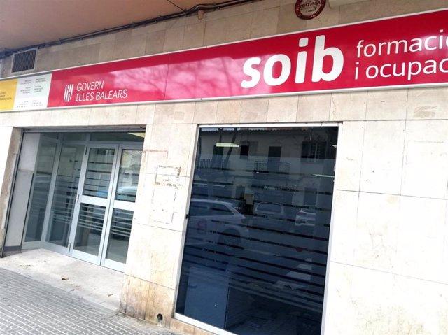Archivo - Oficina del SOIB en la calle Miquel Marqués de Palma.