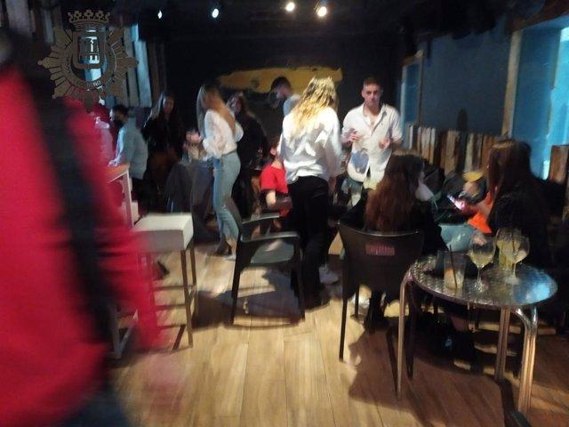 Bar desalojado en la calle Mercaderes de Logroño