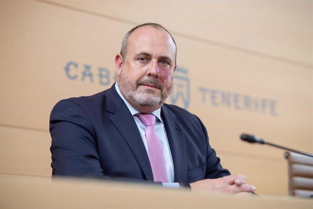 Archivo - El vicepresidente primero y consejero de Cultura del Cabildo de Tenerife, Enrique Arriaga