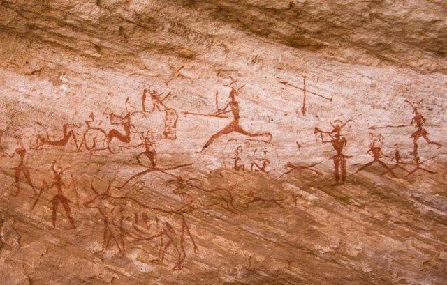 Escena de caza en arte rupestre