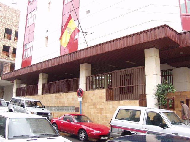 Archivo - Fachada de la sede de los Juzgados de Ceuta
