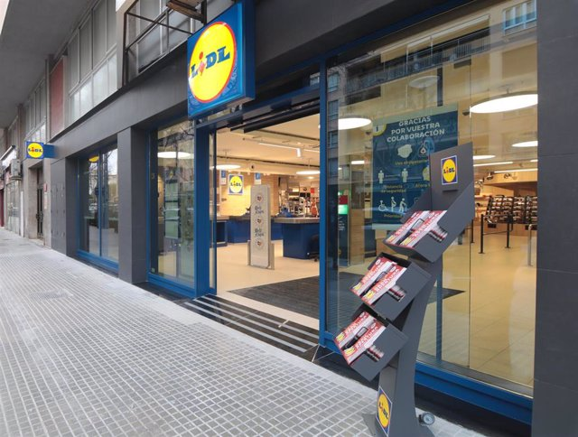 Archivo - Tienda Lidl en la calle Aragón de Palma