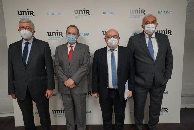 Rafael Puyol, presidente de UNIR; José María Vázquez García-Peñuela, rector de UNIR; José Manuel Pingarrón, secretario general de Universidades; y Javier Uceda, director de la Cátedra UNESCO
