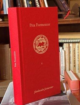 Archivo - Libro conmemorativo de la X edición del Premio Formentor de las Letras