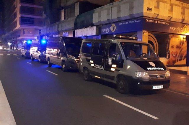 Furgonetas de los GOIA de la Policía Local de Las Palmas de Gran Canaria