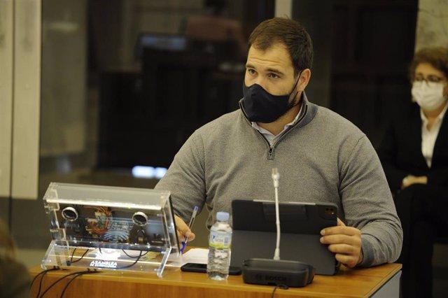 Archivo - El diputado del PP en la Asamblea de Extremadura Javier Cienfuegos en una imagen de archivo