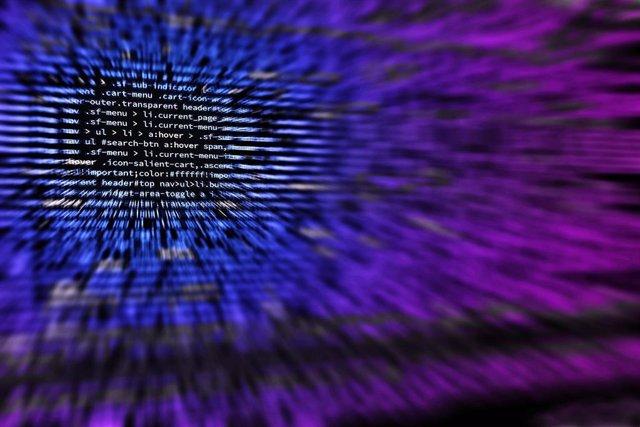 Ciberseguridad, código informático.