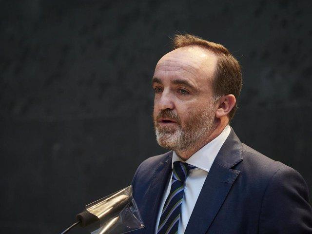 Archivo - El portavoz de Navarra Suma, Javier Esparza