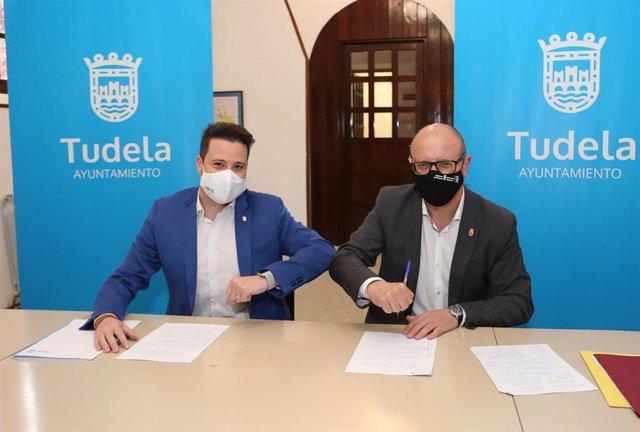 El alcalde de Tudela, Alejandro Toquero, y el consejero de Educación, Carlos Gimeno.