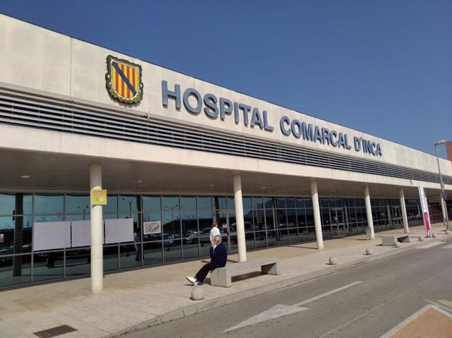 Entrada al Hospital Comarcal de Inca.